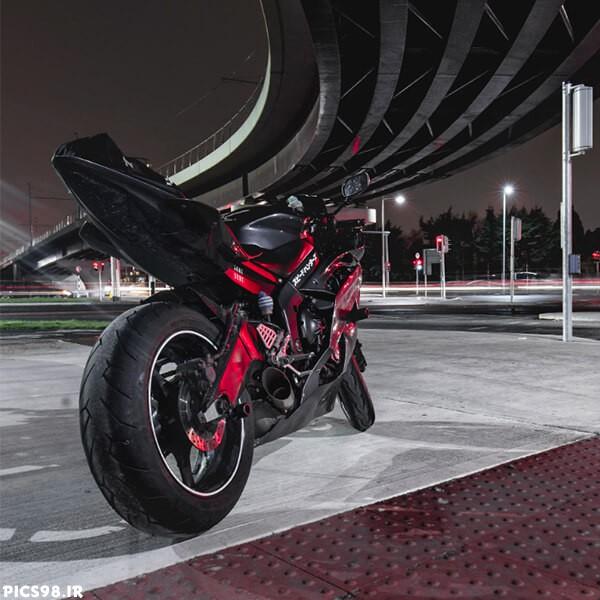 موتور سنگین قرمز