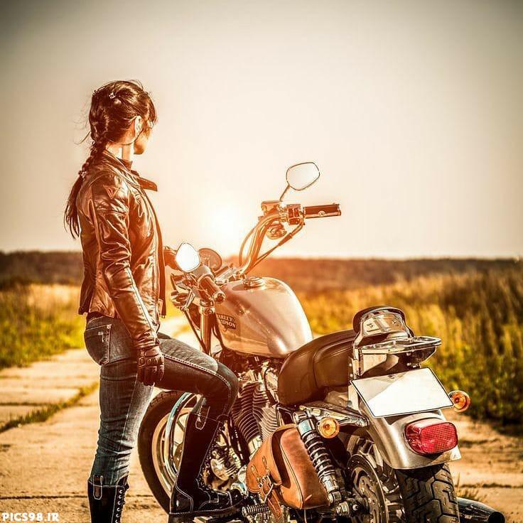 موتور و غروب آفتاب